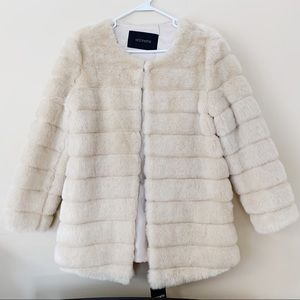 NWT Storets luxe glam faux mink fur coat in ivory
